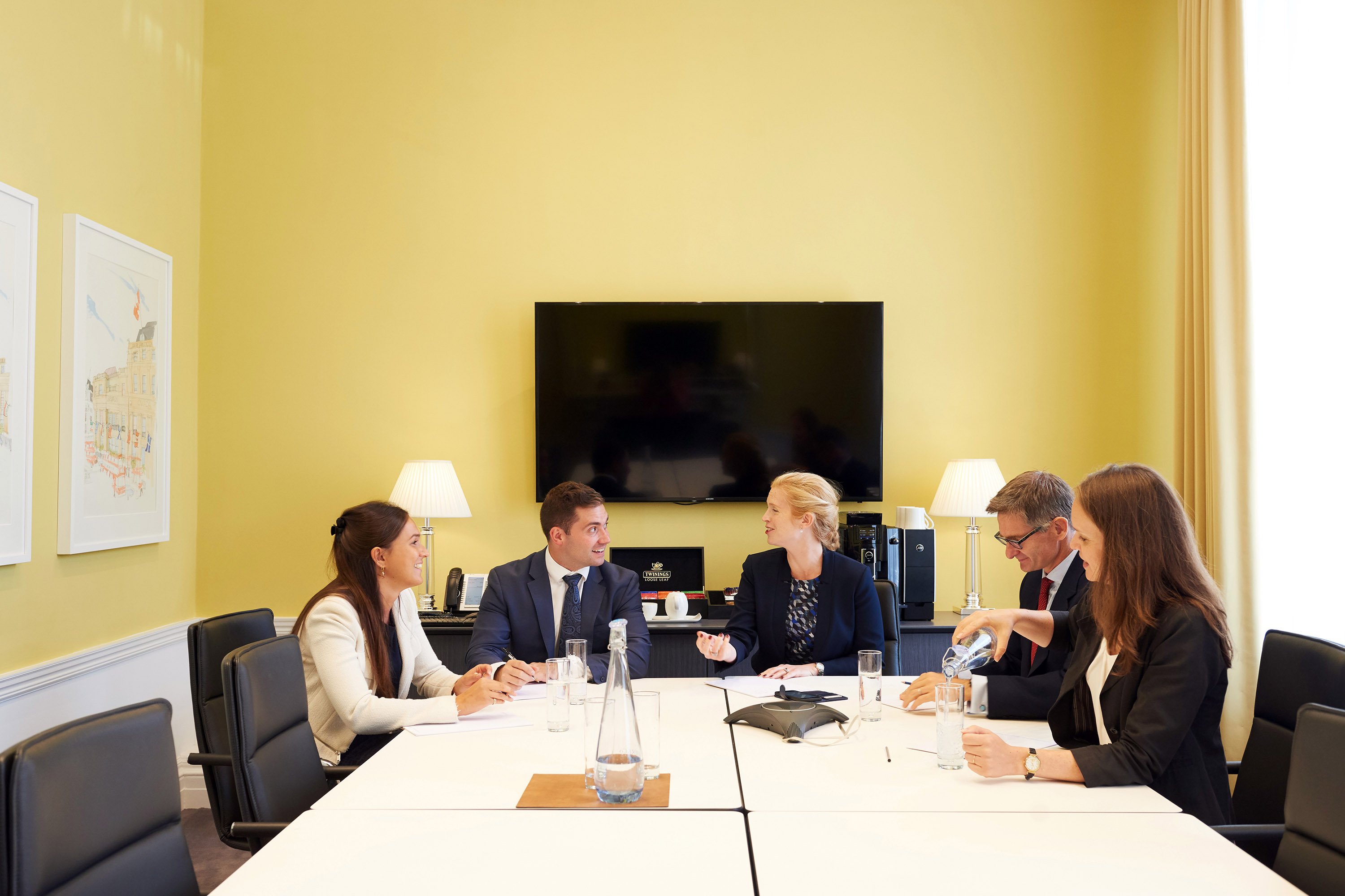 Farrer & Co – Best work placement - City firm   Meeting room